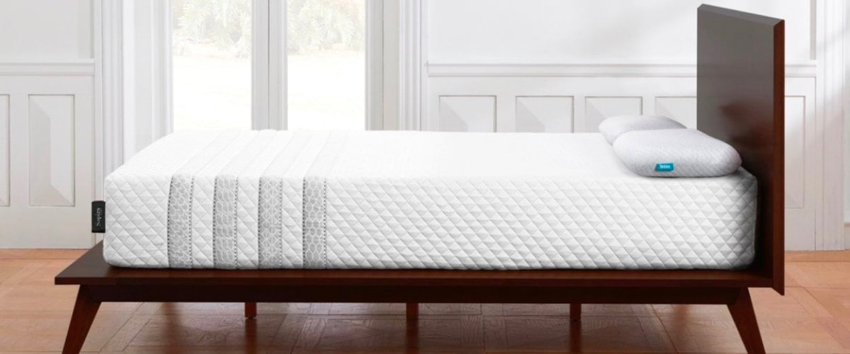 Leesa Hybrid Mattress - side view - Bed Tester